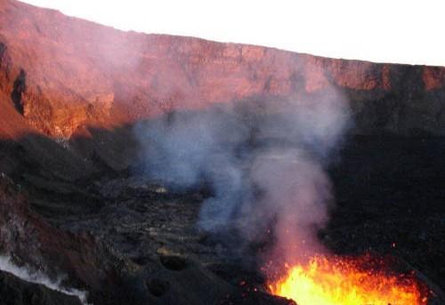 piton-de-la-fournaise-cratere-eruptif