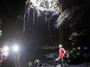 tunnels-de-lave-noir-absolu