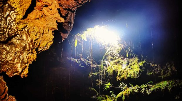 Lueur à la sortie d'un tunnel à La Réunion